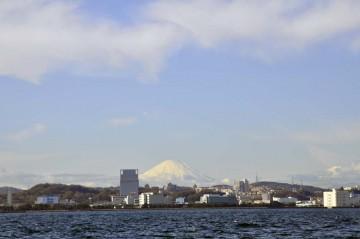 富士山も雪をかぶりこれから寒さがますでしょう