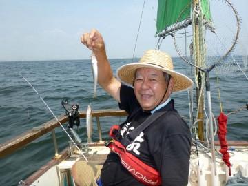 今日は釣ってます・・・神谷さん