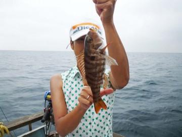 始めてみる魚・・・沖縄で見るフエフキダイぽっいが何だろう?