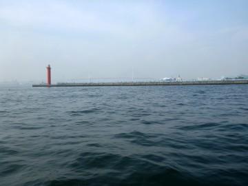 大黒海釣り公園前で釣るがイシモチばかり・・・アジがいない