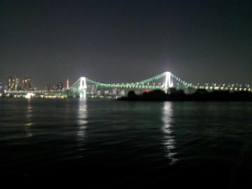 ライトアップされたレインボーブリッジ 撮影: 笹木 靖司
