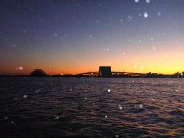 空気の澄んだ夕方・・・ベイトを追っかけて