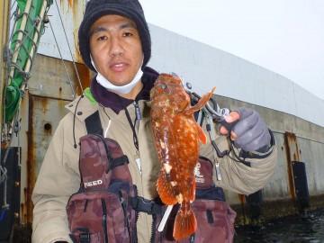 久保さん・・・カサゴ釣り初めてでこのサイズ!!!