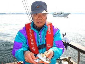 キス釣り大好きな斉藤さん、最後までキスの仕掛けでアジ釣り・・・