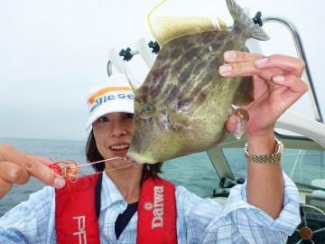琴ちゃん・・・一つテンヤで30cmのカワハギが釣れたのにはびっくり!