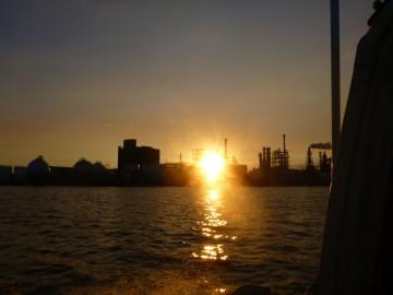 海の夕日は素晴らしいです