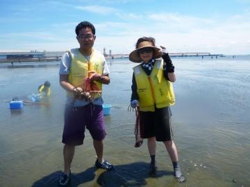 初めての潮干狩り・・・貝を選別するのに苦労して大変でした