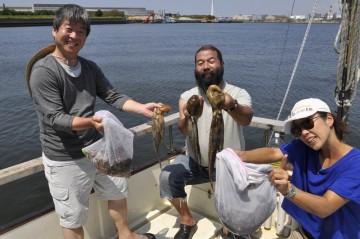 船中22杯・・・ジャッキーが乗った長浦港で記念写真