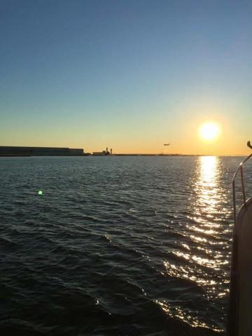 朝の羽田からの日の出・・・photo by ryoma