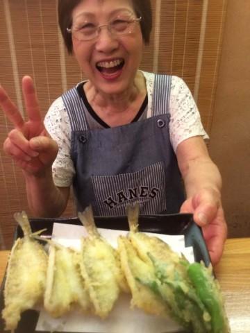 キスの天ぷらを4丁目の大ママに美味しく揚げてもらいました