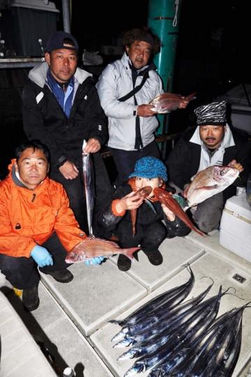 タイはちょっと寂しかったが夜タチで救われた今日の釣り!