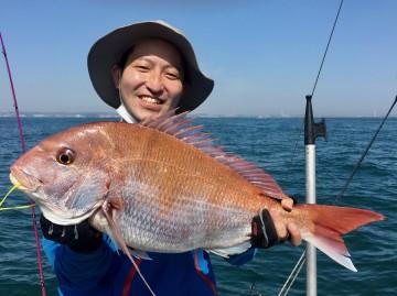 仁科さんに綺麗なピンク・・・4.24kg・・・やったぁ〜!