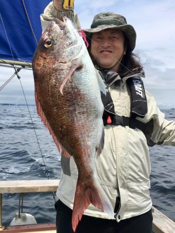 念願のマダイ・・・2.07kg