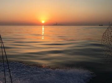 凪の木更津沖で日の出・・・・!