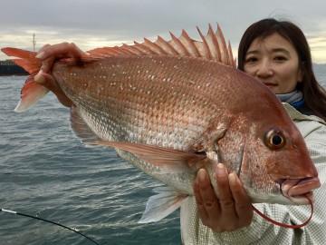 タイラバで初マダイ・・・3.13kg・・・めぐみさん おめでとう・・・!