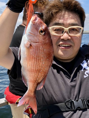 初めての船釣りタイラバ初は綺麗なピンクを・・・内藤さん・・!