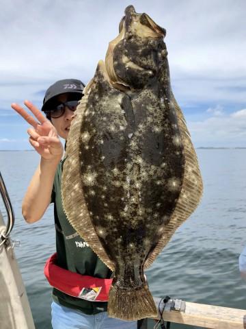 1.21kg・・・身厚なヒラメ・・・!