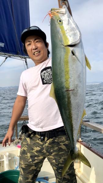 30分格闘・・・船で追いかけ・・・5.76kg・・・ヤッタァ〜!!!