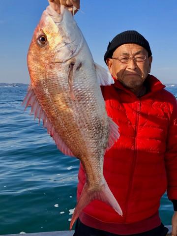 船長が3.71kg・・・綺麗なメス・・・!