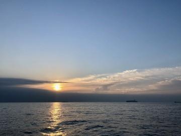 日の出を見ながら・・・!