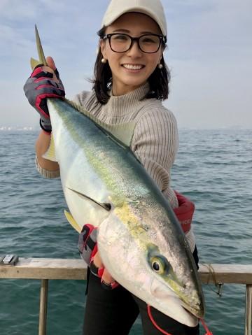 美穂さんは3.01kg・・・初ワラサ・・おめでとう・・・!