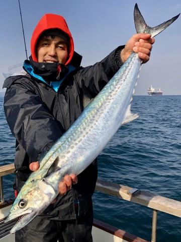 ヤッタァ〜〜〜内海さん・・・84cm3.07kg・・・サワラ・・・!
