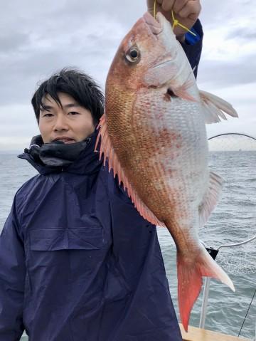 船釣り初めての渡辺さん・・・2.12kg・・・おめでとう・・・!