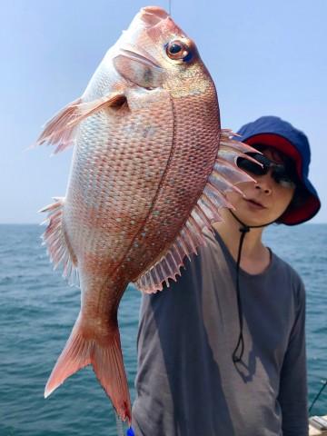 小泉さん・・・久しぶりの釣りでなんとか綺麗なピンクを・・・!