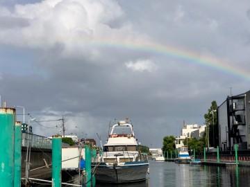 船着場で綺麗な虹が・・・!