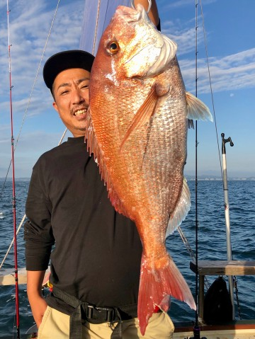 ユウスケくん・・・朝一でヤッタァ〜〜〜3.81kg〜〜〜自己記録更新