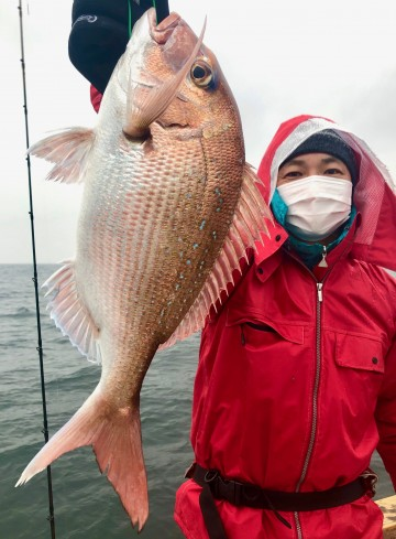 納竿間際に釣り上げたピンクは・・・1.09kg・・・!