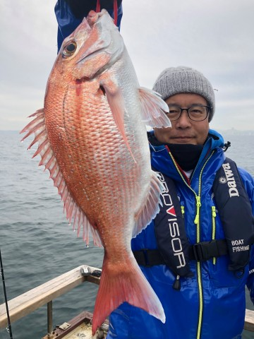 萩さん・・・綺麗なピンクをヒット・・・1.05kg・・・!